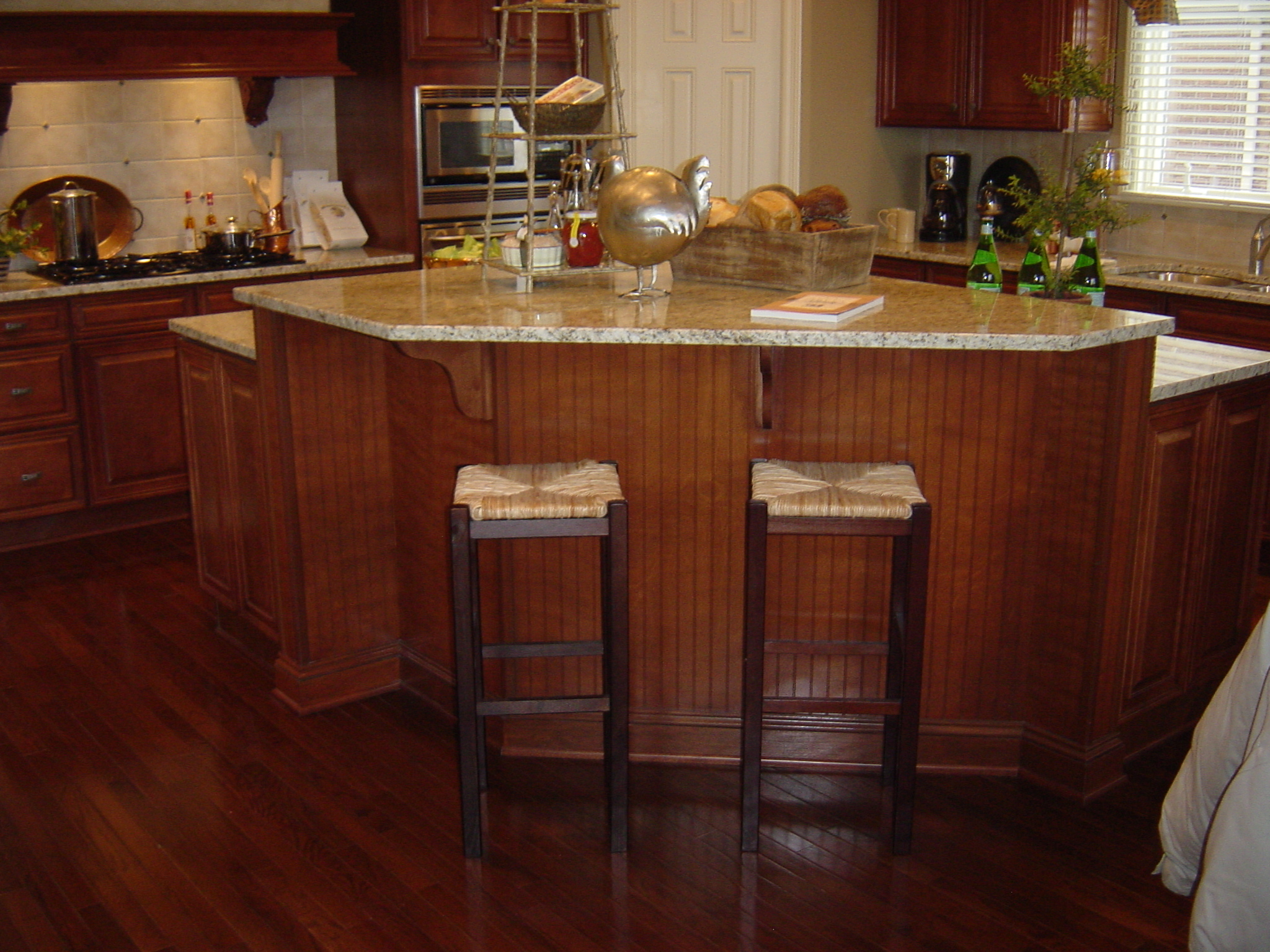 Florida kitchen decorating ideas cabinet decor interior for Kitchen cabinets hialeah